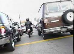 Nevada May Allow Motorcyclists To Legally Drive Between Two Traffic Lanes