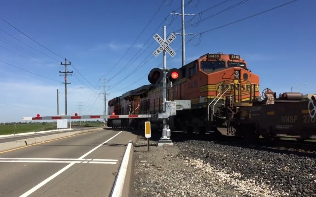 How Long Can A Train Legally Block a Railroad Crossing? – SRTC